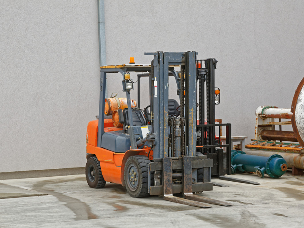 Forklift service for industries in motion